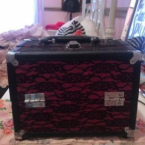 Cute makeup case!